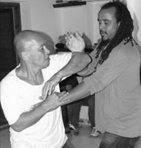 Nino Bernardo & Guy chi sao wing chun kung fu